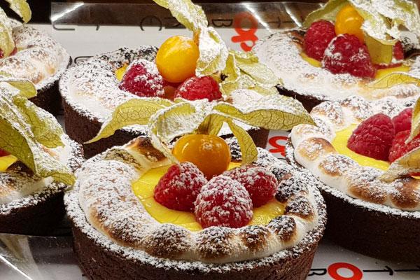 Crostatine frutta e crema